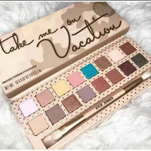Kylie Cosmetics Take Me On Vacation Palette🌴